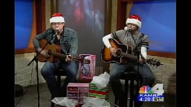 Casey Berry & Mike Chism Hold Toys for Tots Benefit Concert