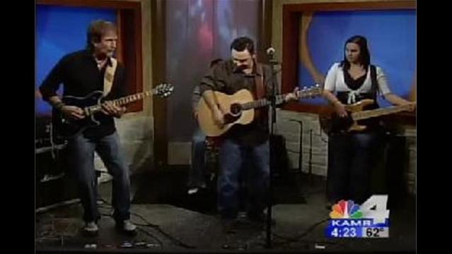 Mike Chism & Hollow Point : Honky Tonk Crowd