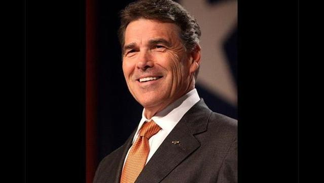 Analysis: In Border Crisis, Perry Finds an Advantage