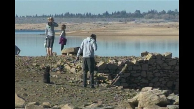 Drought Reveals Ghost Town_5353328145568907719