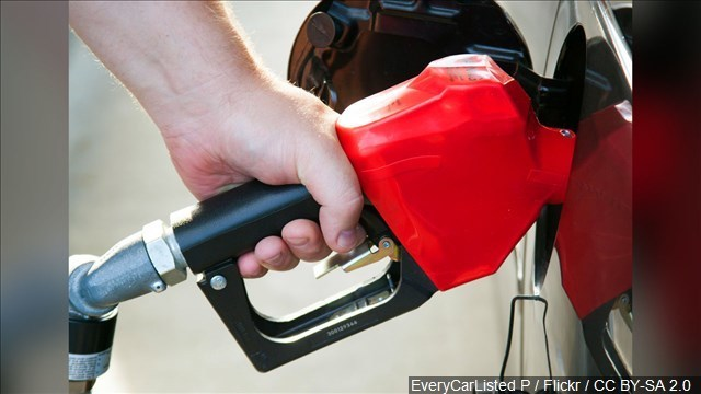 Gas prices dropping ahead of Thanksgiving