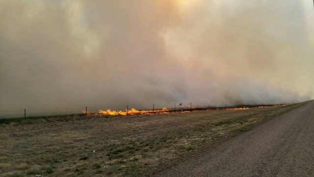 100% Contained: 4 Firefighters Injured Fighting #DumasComplex fire